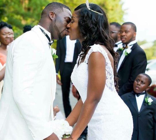 Preacher Wedding Altar: INCREDIBLE!!! See The Pastor Who Claims Kissing During